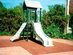 Reducer edging for playgrounds